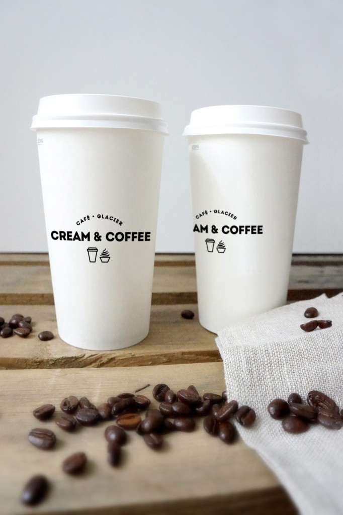 03_two coffee cups and beans mockup